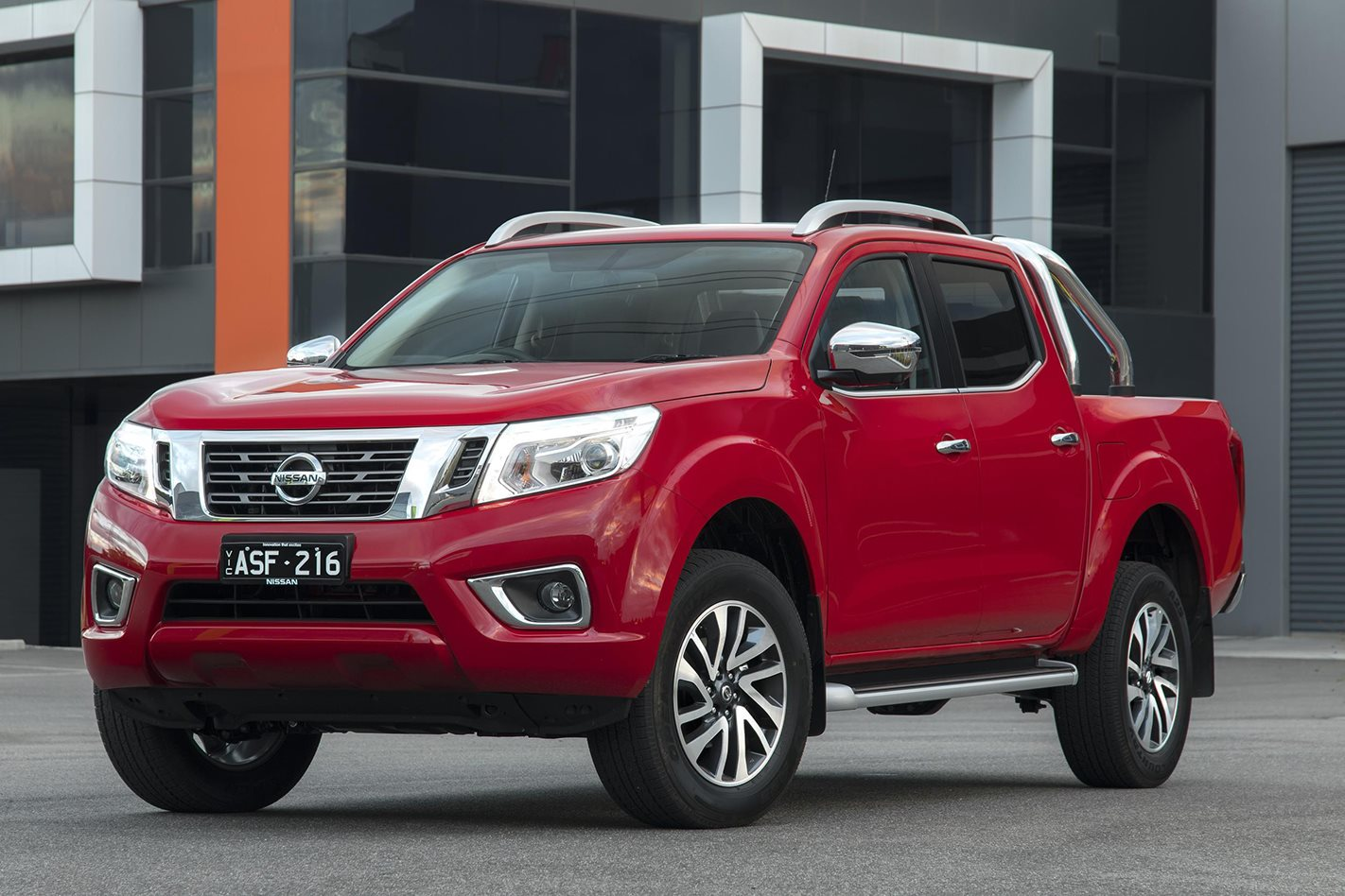 Nissan Navara Review, Price & Features