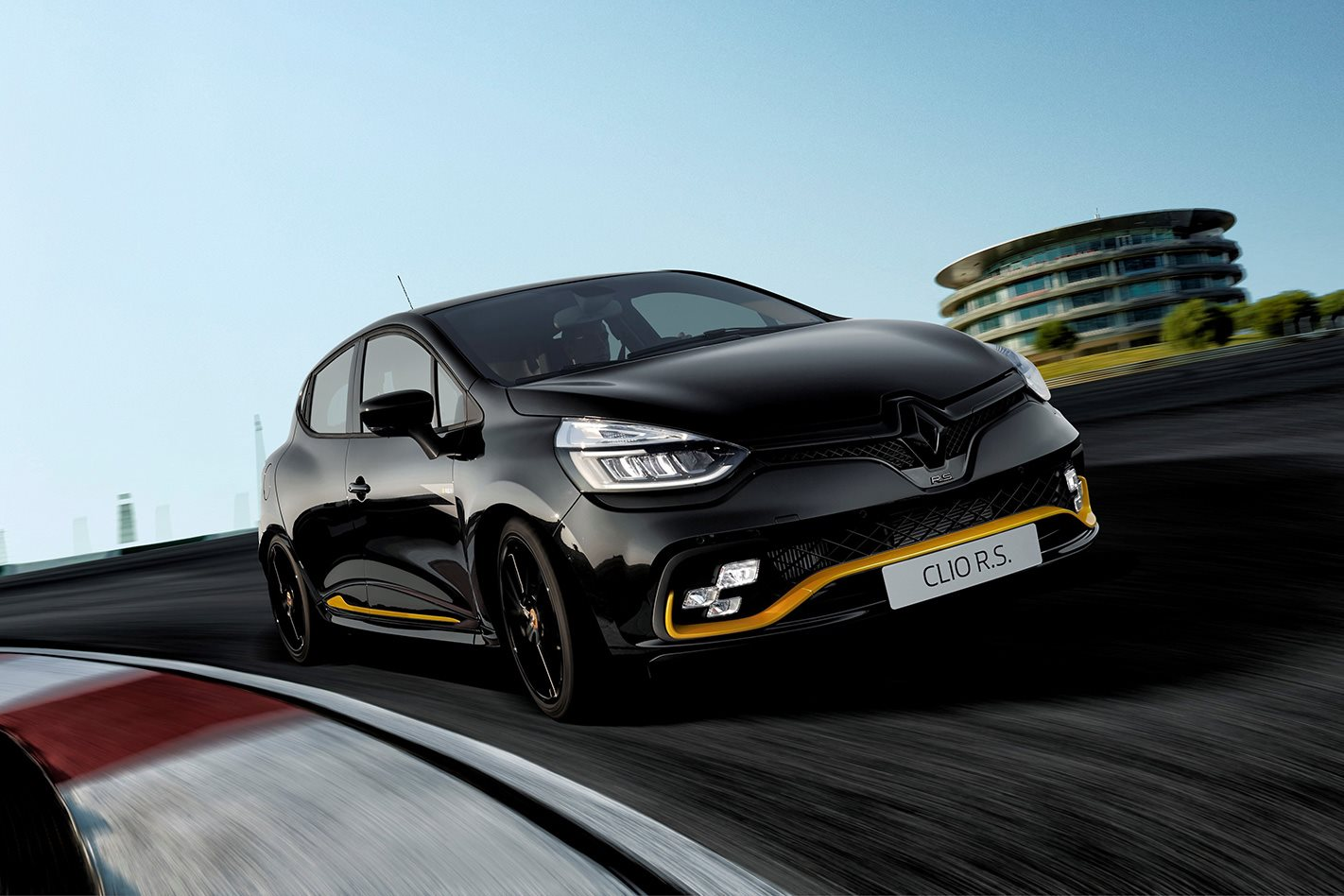 renault announces rare clio rs 18 ahead of f1 opener. Black Bedroom Furniture Sets. Home Design Ideas