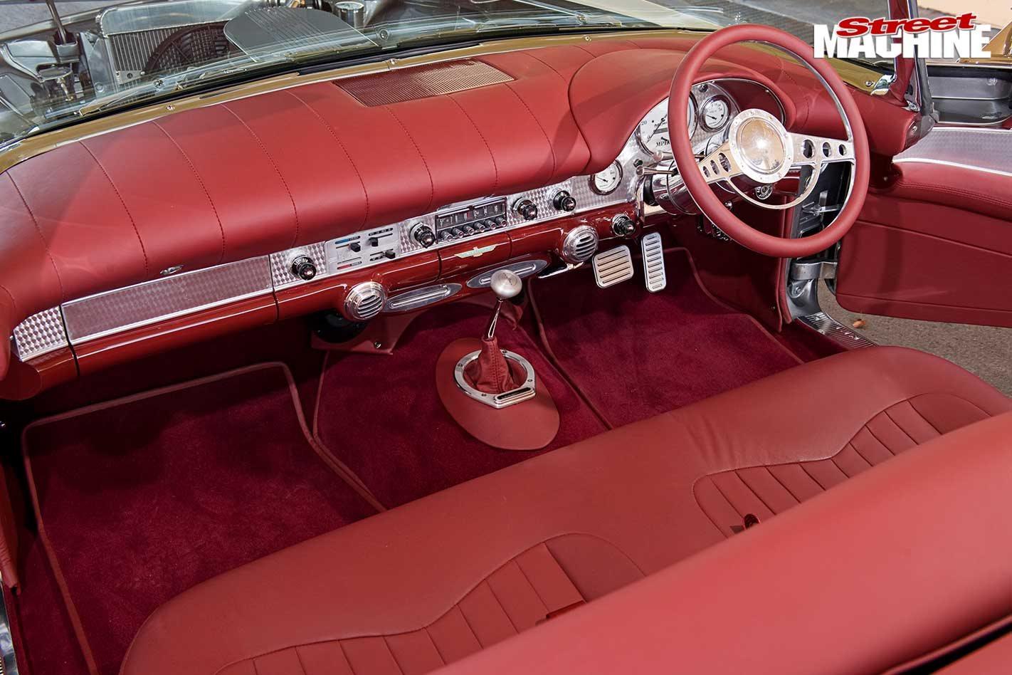 Stroker 371 Windsor-powered 1957 Ford Thunderbird - flashback