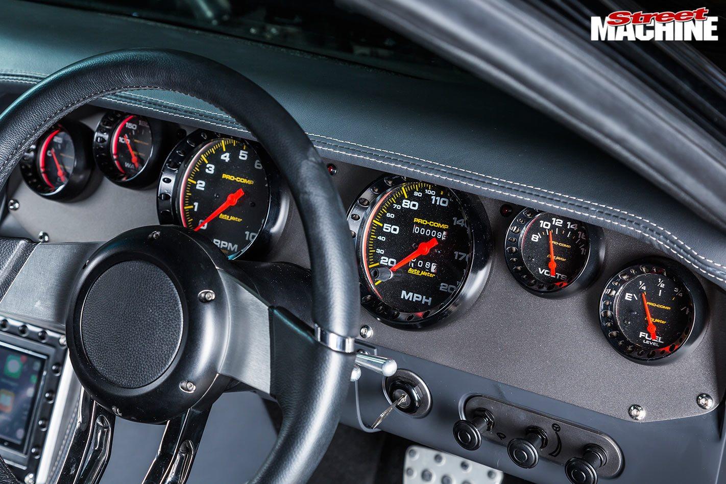 Plymouth Barracuda gauges