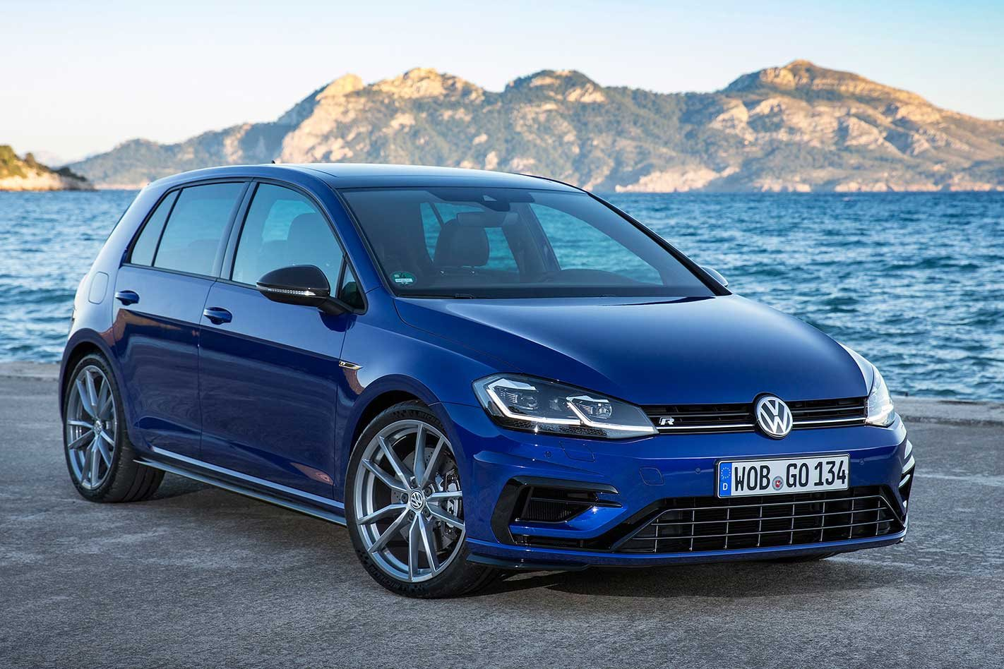 2018 Golf R Release Date >> Volkswagen Golf R Special Edition Announced For Australia