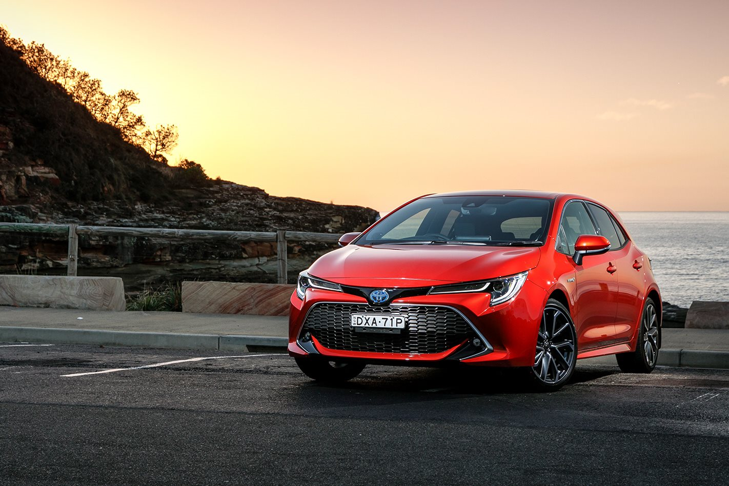 2019 Toyota Corolla Zr Hybrid Review