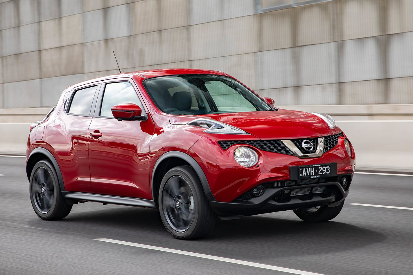 2018 nissan juke scores cosmetic upgrades juke nismo. Black Bedroom Furniture Sets. Home Design Ideas
