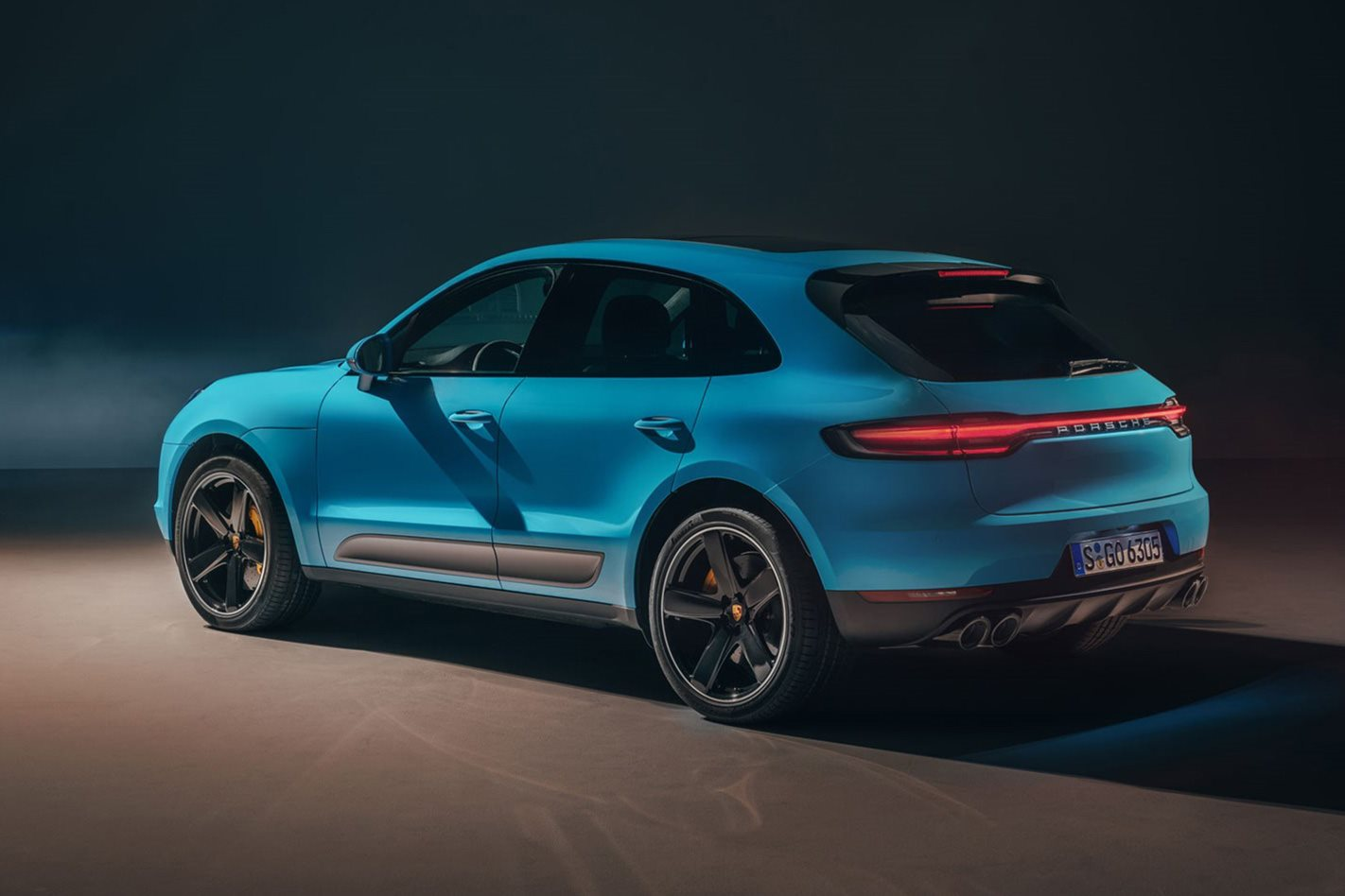 new 2019 porsche macan lands in paris 2018 paris motor show. Black Bedroom Furniture Sets. Home Design Ideas