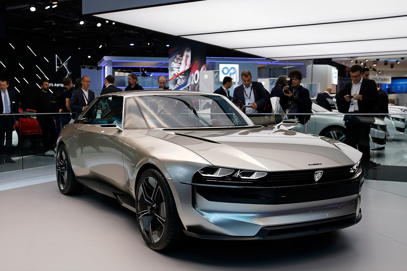 Five of the coolest cars from the 2018 paris motor show for Garage mitsubishi paris