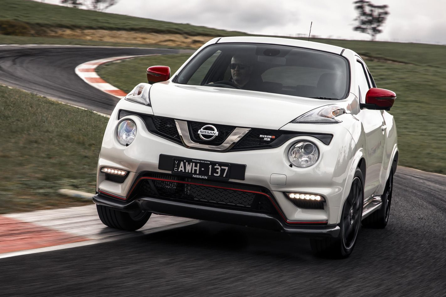 2019 nissan juke nismo rs review. Black Bedroom Furniture Sets. Home Design Ideas