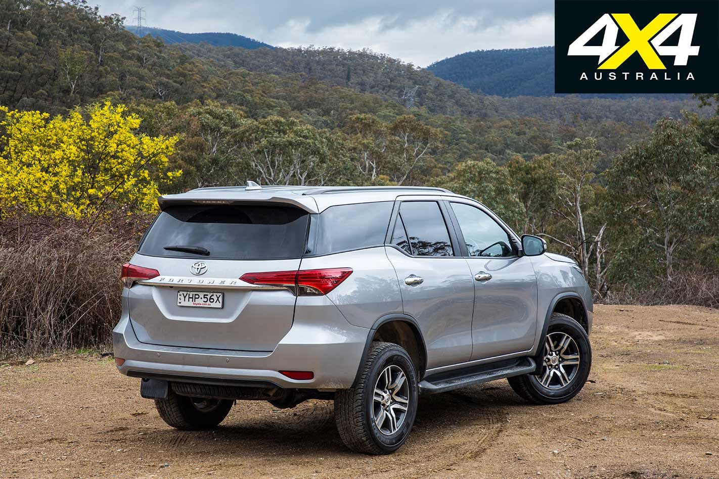 2018 Toyota Prado vs Toyota Fortuner 4x4 comparison review