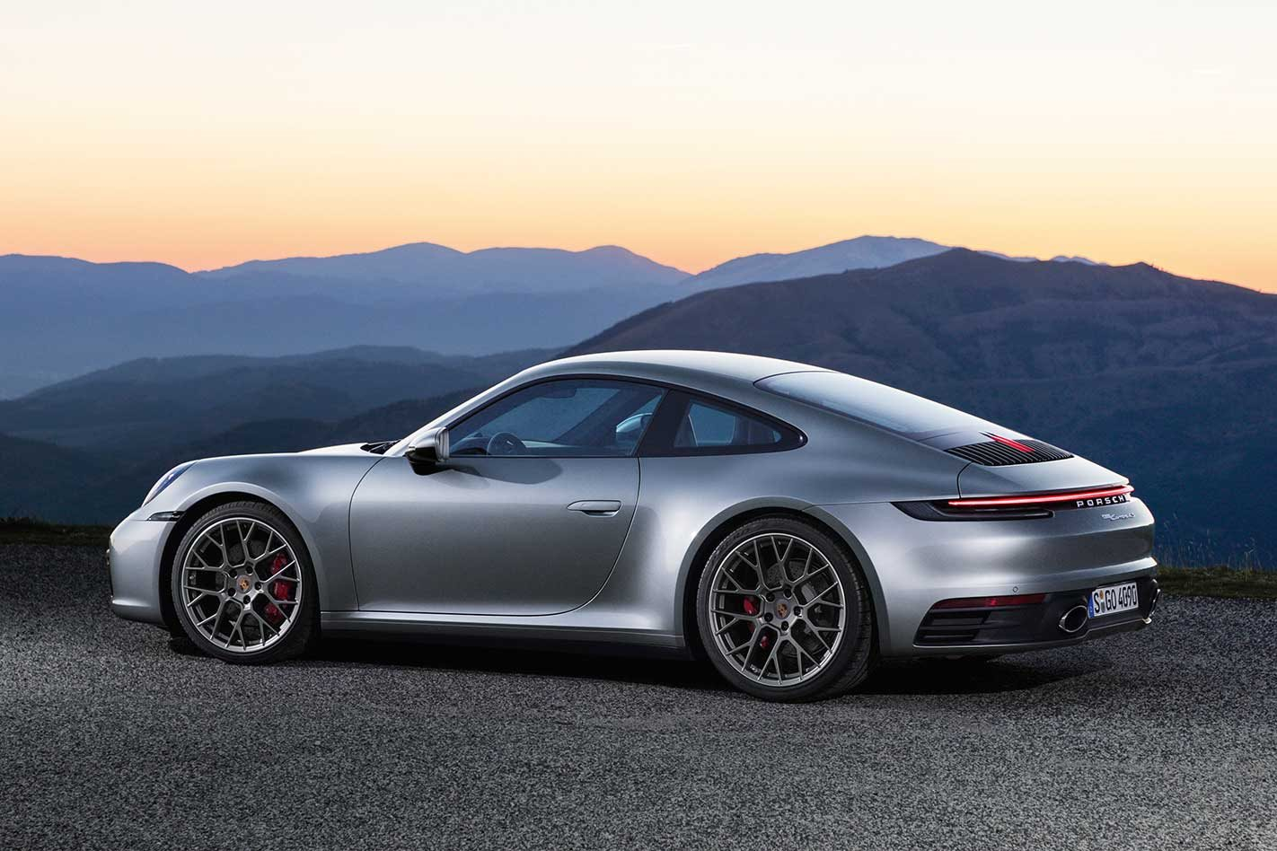 2019 porsche 992 911 carrera s and 4s revealed la auto show 2018. Black Bedroom Furniture Sets. Home Design Ideas