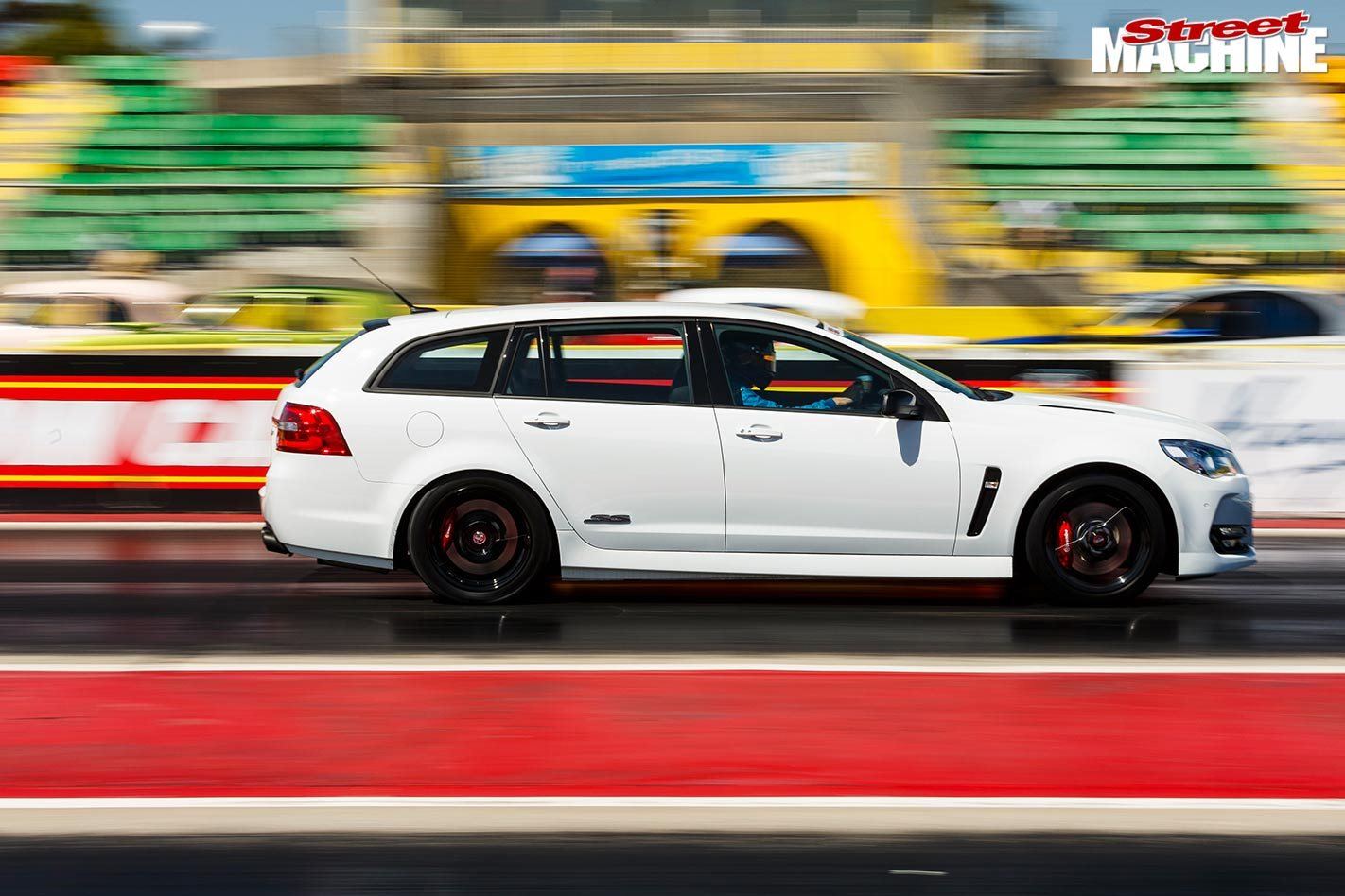 11-second VF Commodore SS-V Redline Sportwagon wins the K&N