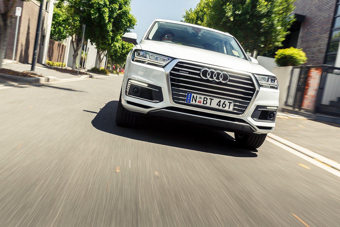 Kelebihan Audi Q7 Etron Harga