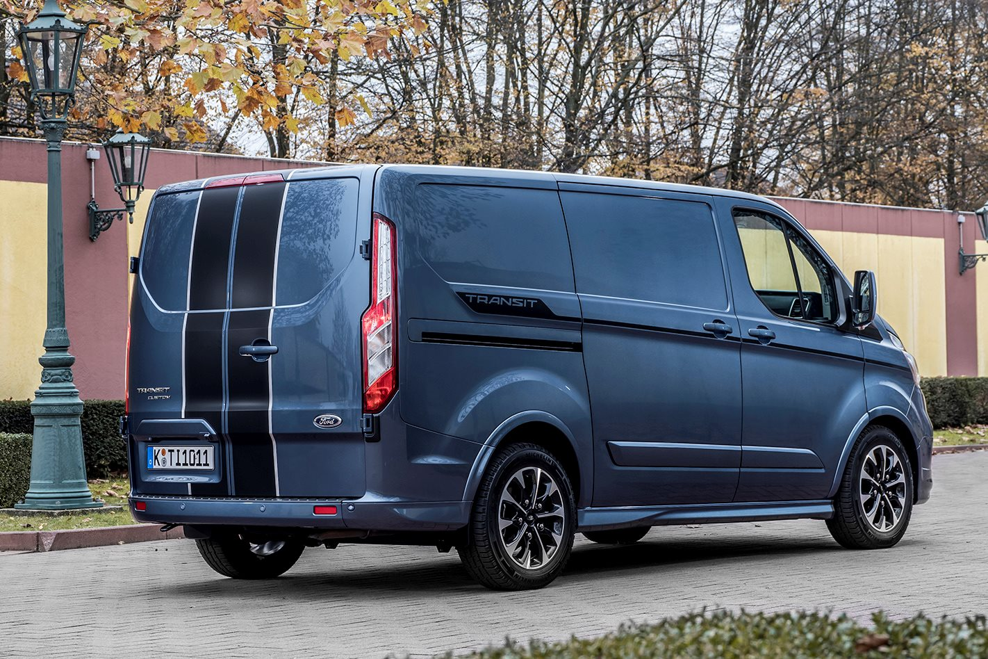 325d92a5495 2019 Ford Transit Custom price, features – more safety, more power