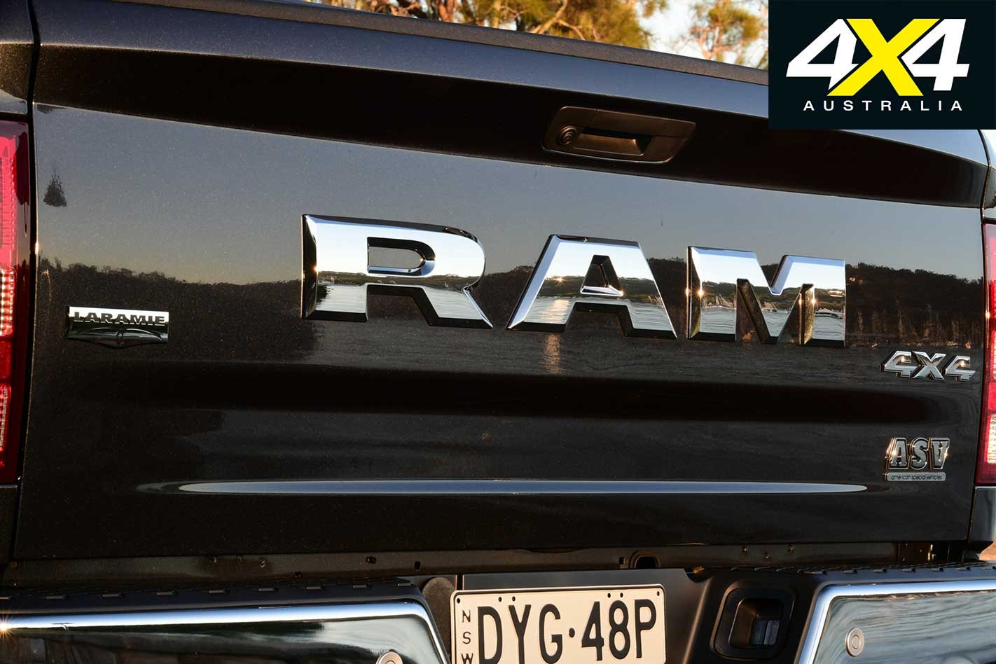 2019 RAM 1500 Laramie gets new grille and raised chrome badging