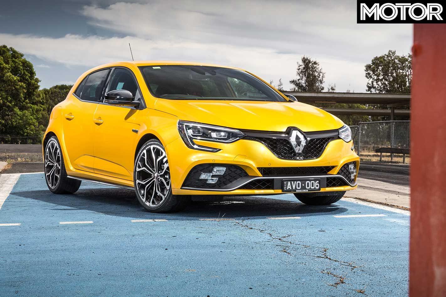 2019 Renault Megane RS280 vs Volkswagen Golf GTI comparison review