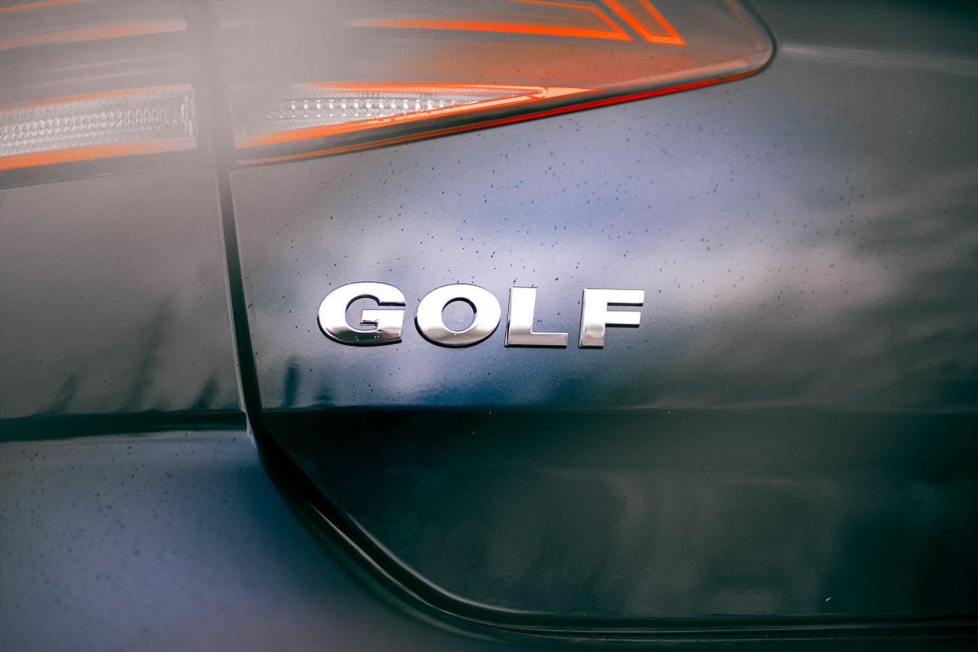 Mazda 3 G25 Astina vs Volkswagen Golf Highline comparison review