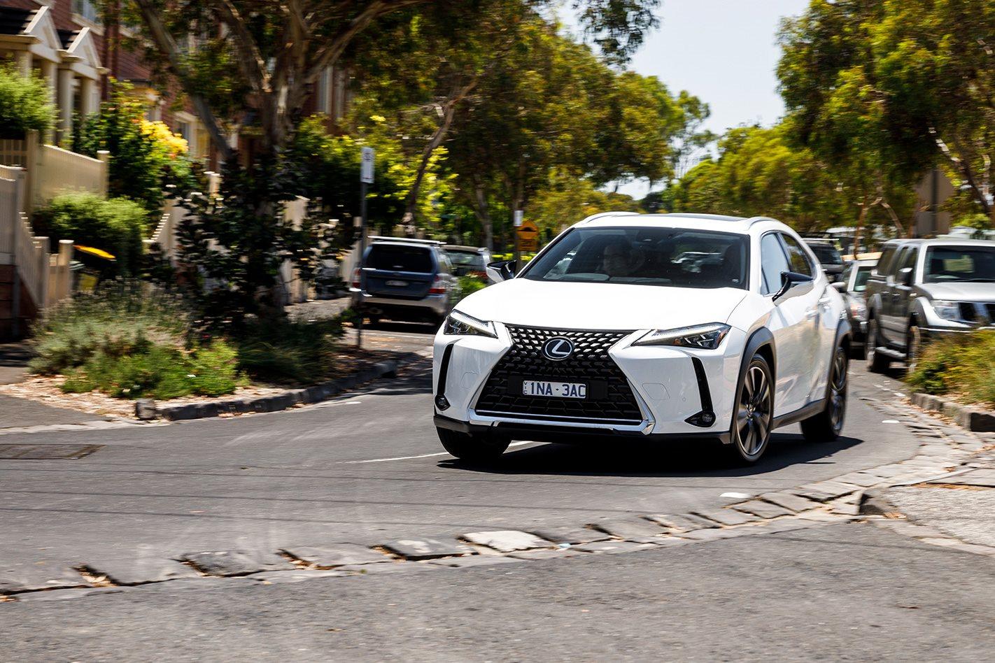 Lexus UX 2019.