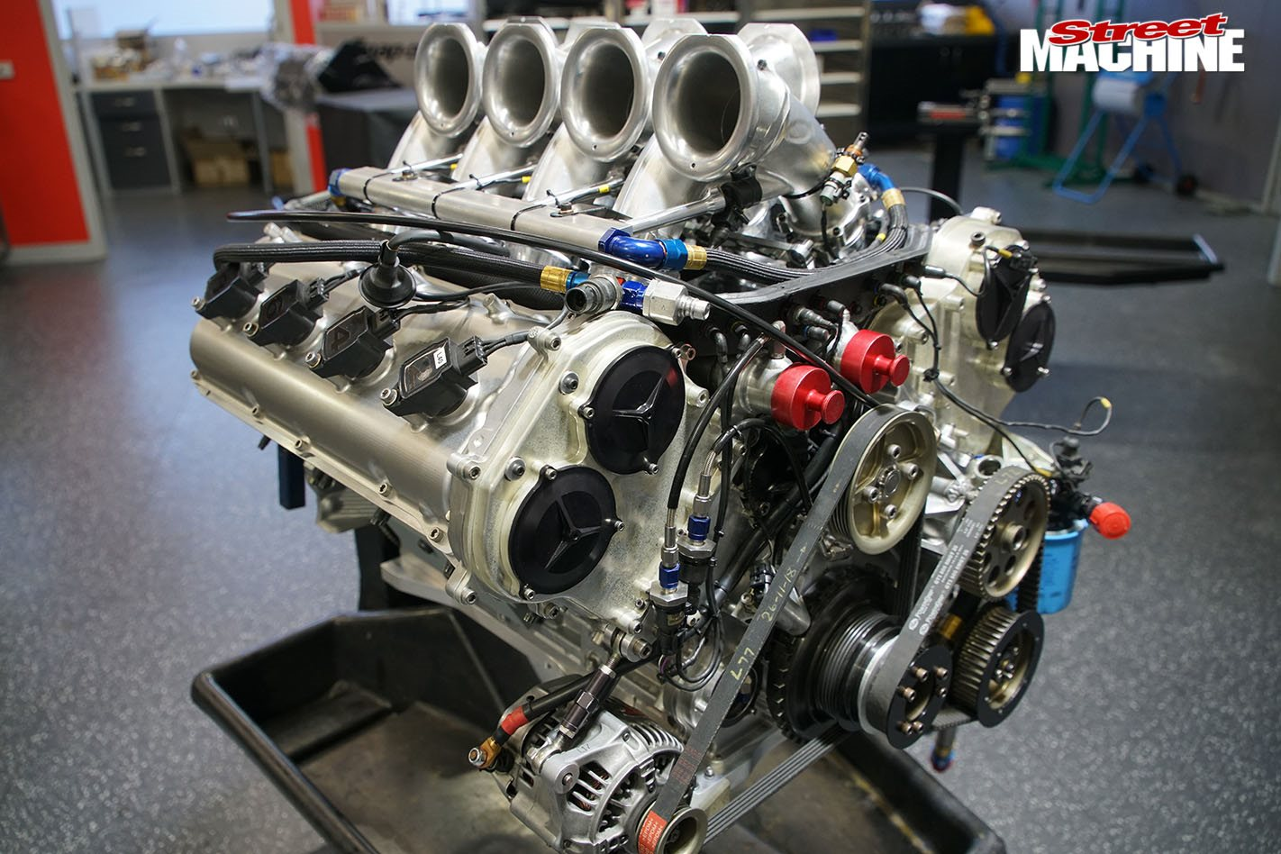 Supercars Nissan V8 engine on the dyno – Video