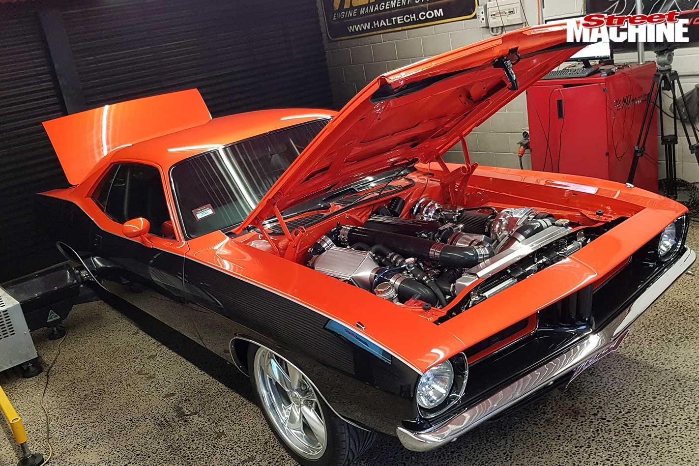 ProCharged big-block Plymouth Barracuda at QuickBitz – Video