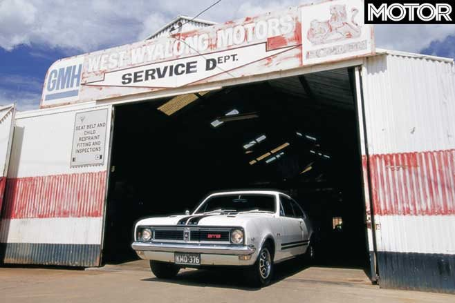 Driving from Melbourne to Bathurst 1000 in a Holden HT GTS 350 Monaro