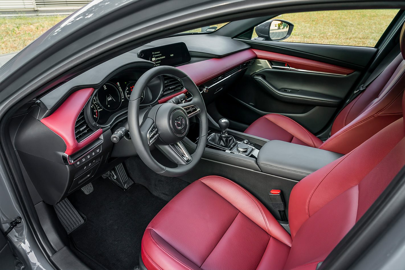 Mazda 3 SkyActiv-X 2019 review