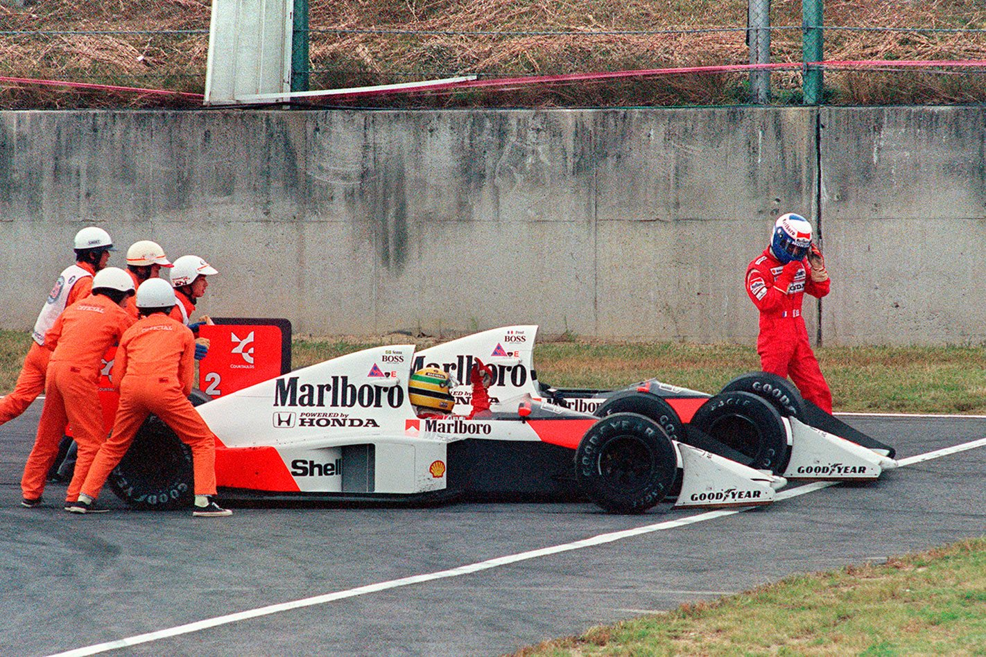 Watch Ayrton Senna absolutely thrash a Honda Civic around Suzuka