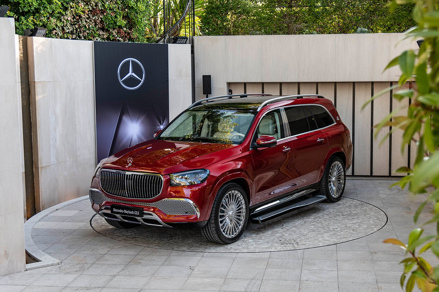 Mercedes Benz Takes The Covers Off Its First Suv To Wear The Hallowed Maybach Badge