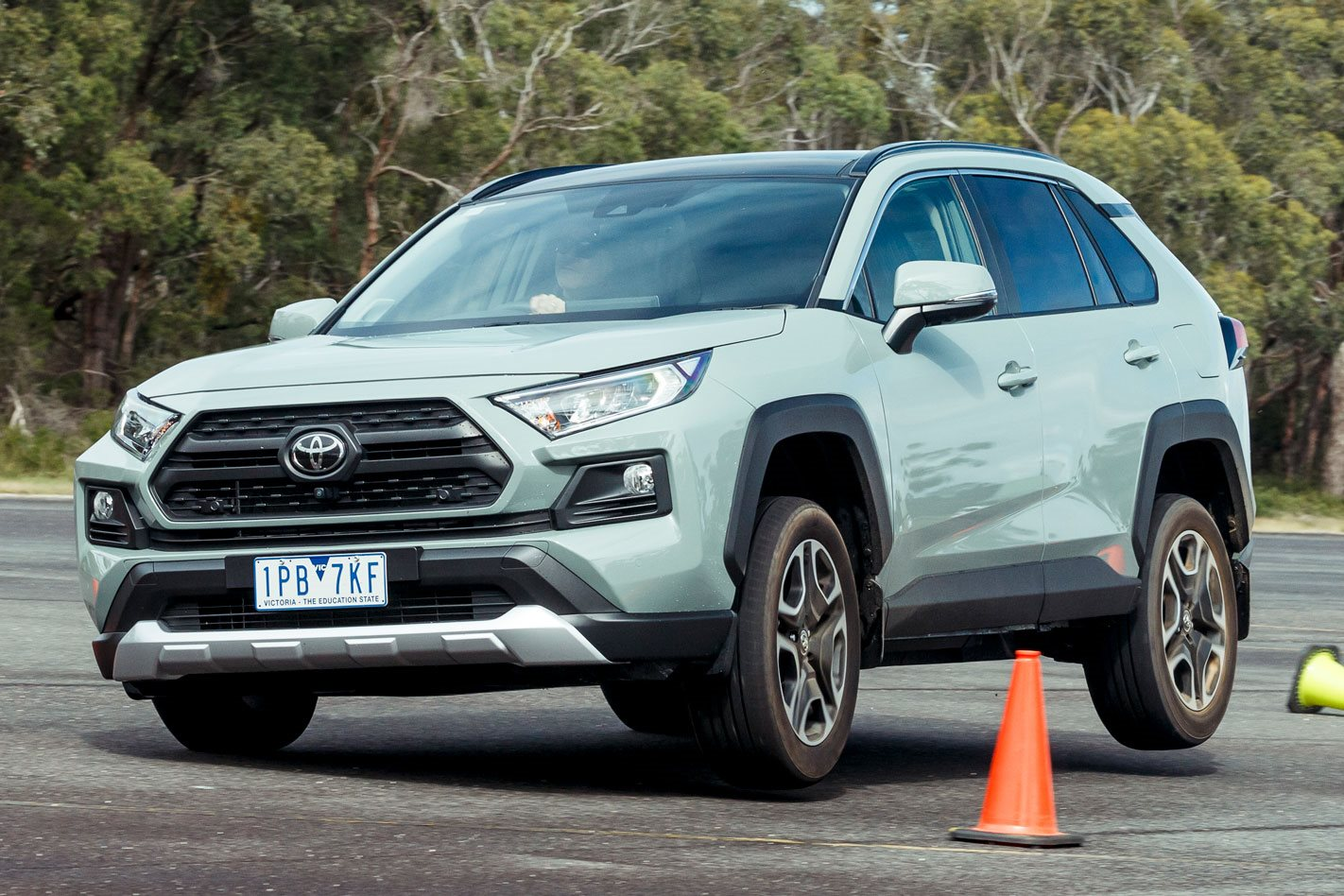 Latest Toyota RAV4 'fails' moose test