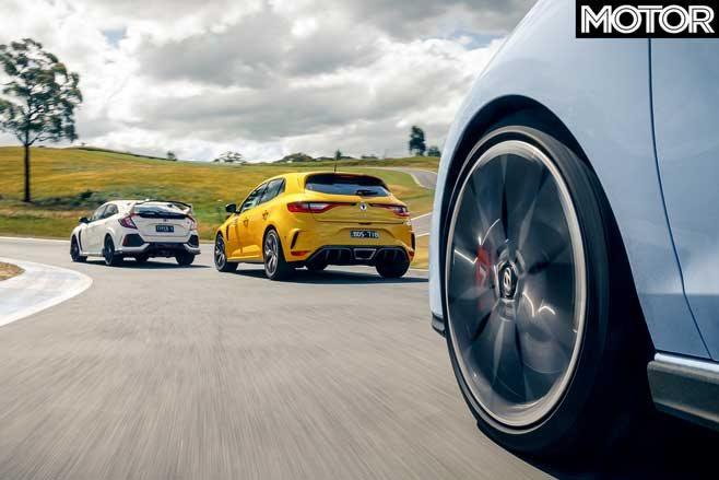 2020 Hot Hatch showdown: Renault Megane RS Trophy 300 vs ...