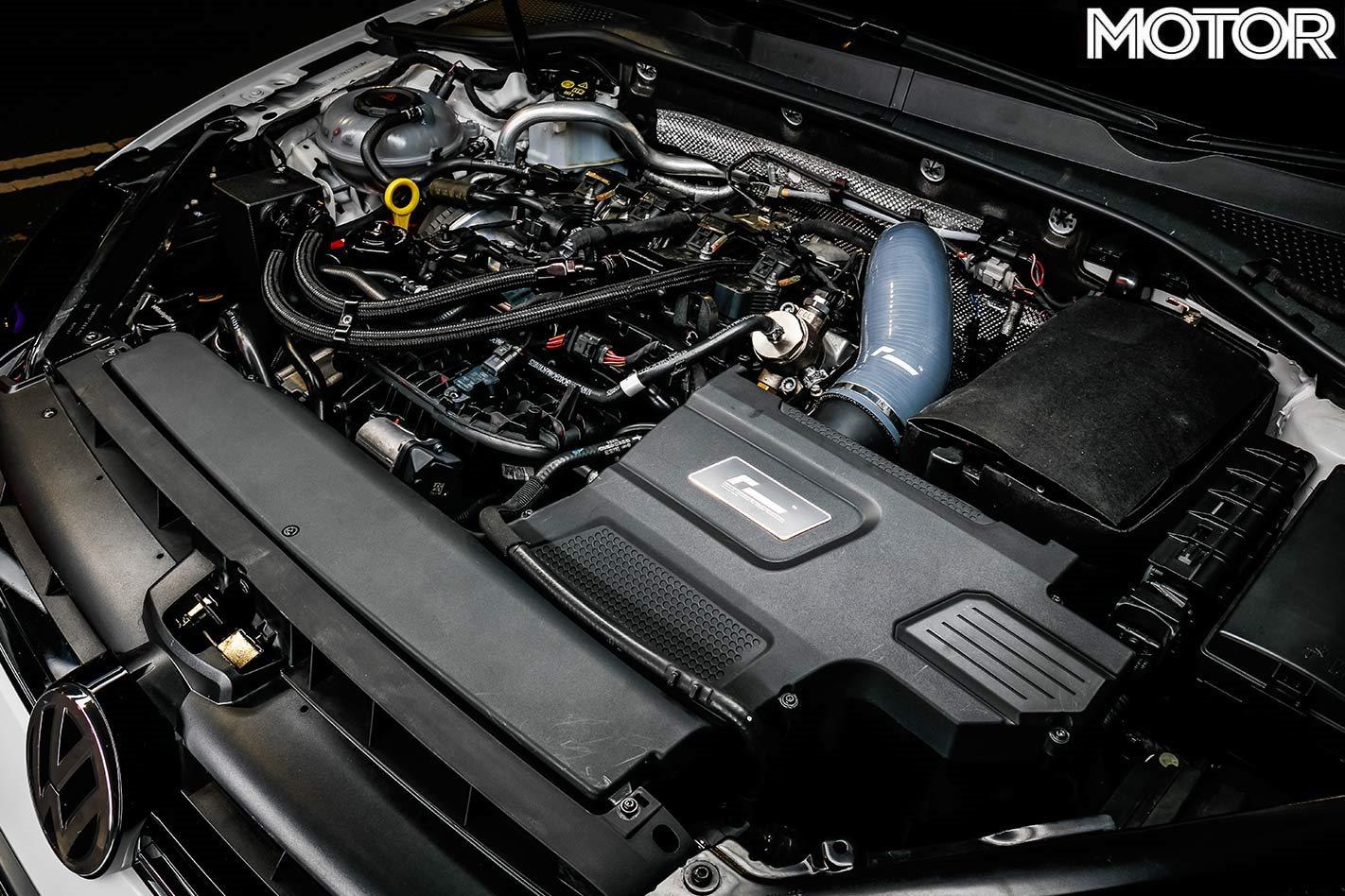 Compartiment moteur Volkswagen Golf R.