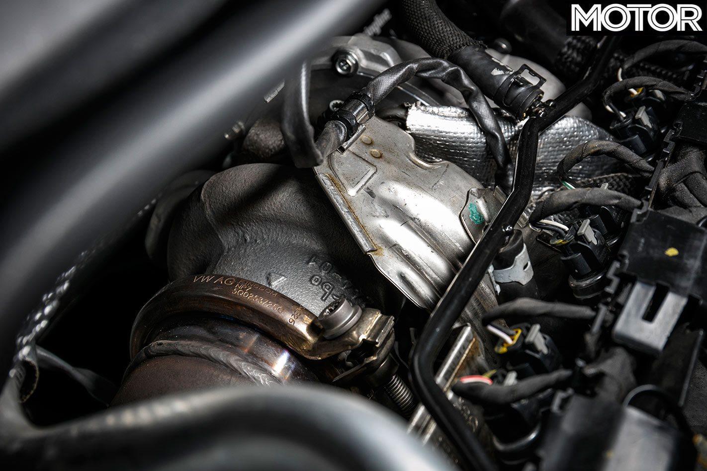 Compartiment moteur VW Golf R.