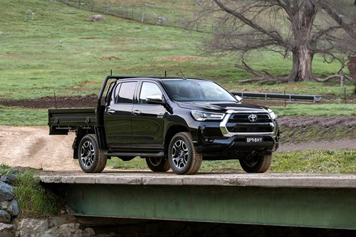 Hilux SR5 CAB-CHASSIS
