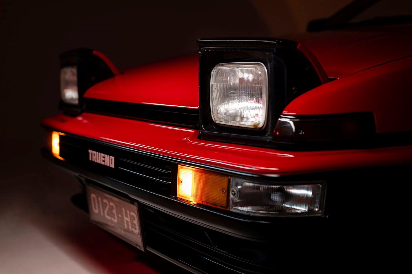 Toyota AE86 headlights