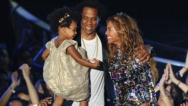 Beyonce gets her VMA from Jay Z and Blue