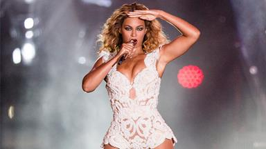 Beyonce allegedly caught lip-synching