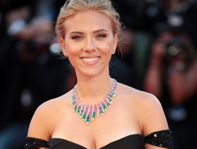 "Scarlett Johansson says she likes to start with a ""matte base"" (meaning foundation which dries to a non-shiny finish) and then gradually add shimmer. Image: Annalisa Flori"