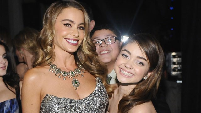 Sarah Hyland gets support from her 'Modern Family'