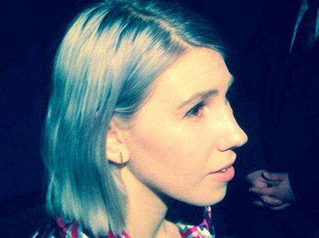 *Girls* star Zosia Mamet went for a daring grey dye, debuted here at a film premiere. Image: Bennett Marcus/Instagram