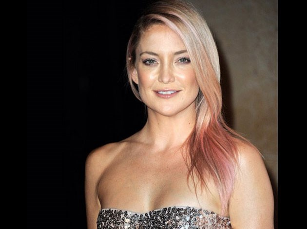Kate Hudson and mum Goldie Hawn both sported pink locks earlier this year in honour of breast cancer awareness. Image: Daniel Moon/Instagram