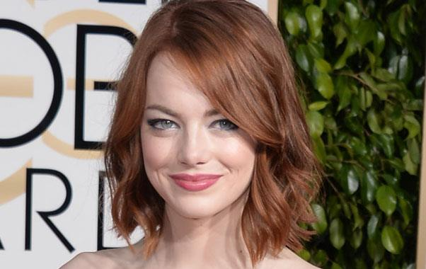 *Emma Stone shows us how radiant skin is done at the 2015 Golden Globes*