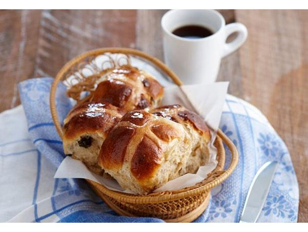 "Make the perfect [hot cross buns](http://www.womansday.co.nz/food/food-galleries/2014/4/how-to-make-the-perfect-hot-crossed-buns!/|target=""_blank"")."