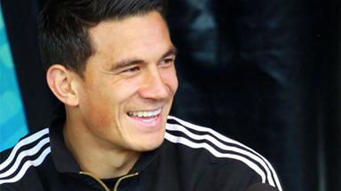 Sonny Bill Williams' sweet father-daughter moment